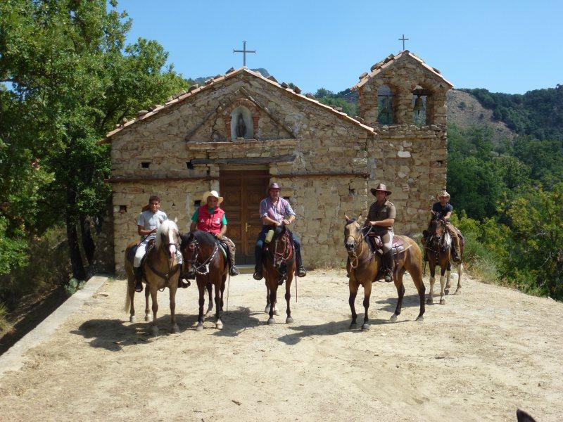 TREKKING ON HORSEBACK from Campolico to Ghorio di Roghudi